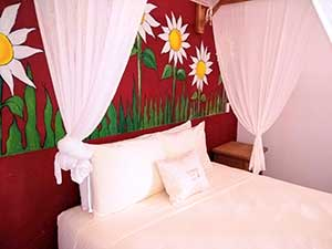 Los Girasoles - Beach House Room - Treasure by The Sea Resort