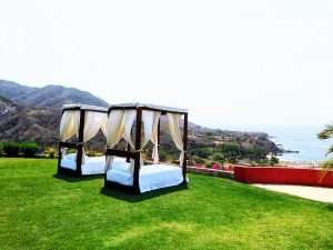 Treasure-by-the-sea---new-outdoor-lounge-beds3